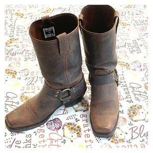 FRYE Harness 12R calf length boots